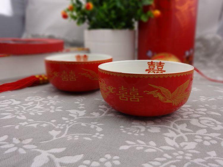 批发优质结婚用品喜庆婚庆礼品二碗二勺二筷礼品套装婚庆用品批发