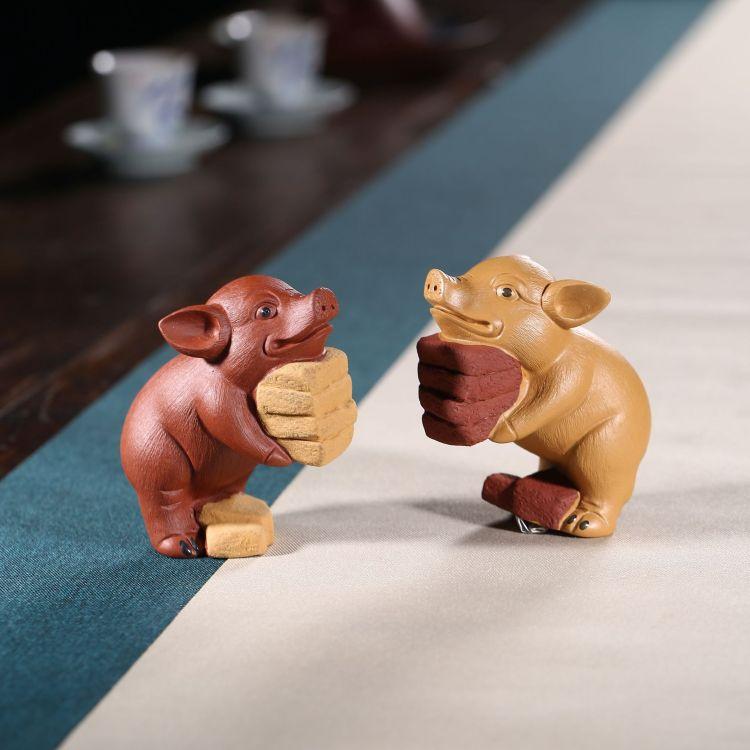 高品质宜兴紫砂搬砖猪创意可爱茶宠茶具摆件装饰品接受定制批发
