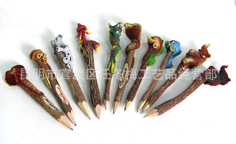 泰国工艺品厂家直销 新款民族风手工木制动物铅笔 泰国饰品批发