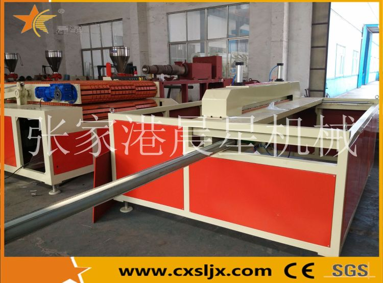 张家港厂家直销PVC/WPC木塑宽幅门板挤出生产线-张家港专业生产塑料机械