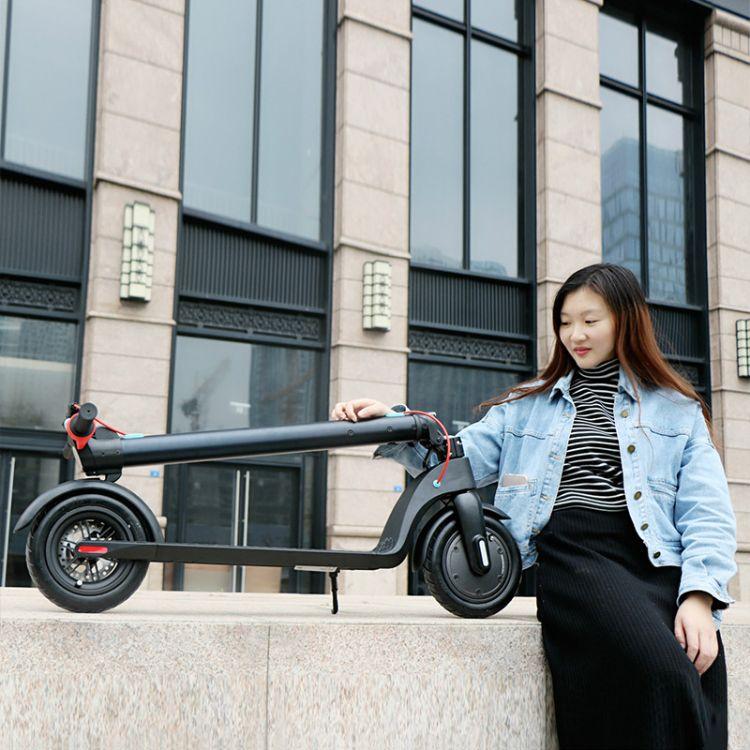 厂家直销电动滑板车X7代驾两轮滑板车8.5寸充气胎避震能够外加座