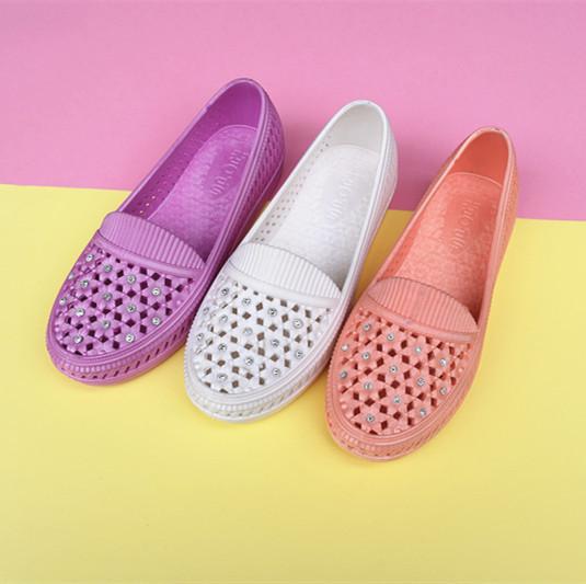 凉鞋女2017 新款pvc吹气镶钻多色网鞋 洞洞鞋妈妈涼鞋 中老年直销