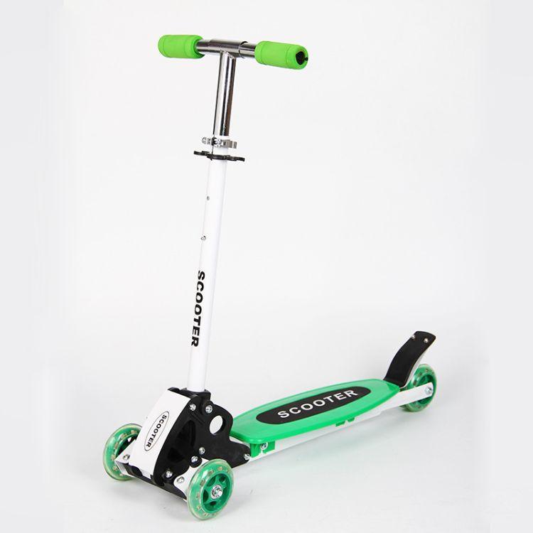 4轮滑板车可升降可带闪光可带卡通户外滑板车初学者脚踏车